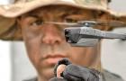 """Een bedrijf maakt een mini-drone die slechts 33 gram weegt, geruisloos en """"in zakformaat"""