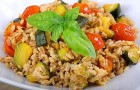 Sallad på emmervete, tonfisk, körsbärstomater och squash - ett enkelt och nyttigt recept med en smak av sommar