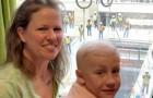 Un bimbo di 10 anni in lotta contro il cancro riceve il suo regalo di compleanno dalla finestra dell'ospedale