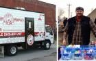 Ein Mann baut einen Duschwagen für Obdachlose: die Idee, denjenigen, die nichts haben, ihre Würde zurückzugeben