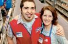 Een adoptiekind ontdekt 22 jaar later dat zijn moeder in dezelfde winkel had gewerkt waar hij verkoper was