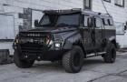 Deze SUV combineert de degelijkheid van militaire voertuigen met de overdreven luxe van het interieur van een limousine