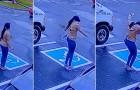 Eine obdachlose junge Frau wird in einem Restaurant eingestellt: Das Video zeigt ihre Freudensprünge vor dem Lokal