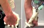 Japan: Wetenschappers creëren een 100% levensechte robothand voor romantische wandelingen voor alleenstaanden