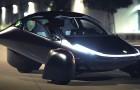 Deze auto laadt op in de zon: hij kan tot 1600 km rijden op een volle tank en heeft prestaties als een Supercar