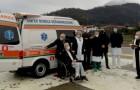 Un pensionato di 81 anni dona un'ambulanza all'ospedale in memoria della moglie e dei figli scomparsi