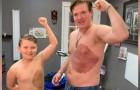 Deze vader heeft dezelfde moedervlek als zijn 8-jarige zoon op zijn borst laten tatoeëren, zodat hij zich meer op zijn gemak voelt