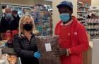 Jarenlang bedelt hij om geld voor dezelfde supermarkt: uiteindelijk neemt de directeur hem aan