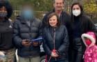Papà accompagna la figlia a scuola sulle spalle perché non può permettersi un'auto: riceve un regalo di Natale inaspettato