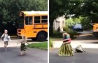 Jeden Tag wartet sie darauf, dass ihr Bruder von der Schule zurückkommt: Sobald er aus dem Bus aussteigt, rennen die beiden los und umarmen sich