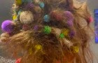 Mom is distracted for 10 minutes and finds her daughter with 150 colored balls stuck in her hair: it takes 21 hours to remove them