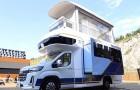 Non chiamatelo camper: questo veicolo può diventare un appartamento di lusso come se fosse un Transformer