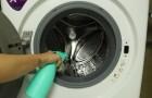 Dites au revoir à la moisissure dans la machine à laver : avec ces méthodes simples et économiques, elle redeviendra comme neuve
