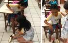 10-jarig meisje komt de klas binnen en geeft haar schoenen aan degene die het nodig heeft: de juf raakt ontroerd