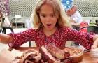 Madre obbliga la figlia vegana a cucinare carne come punizione per aver sprecato il cibo a casa