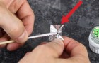 He wraps a toothpick in aluminum foil and heats it up: what happens is INSANE !