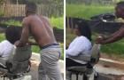 Un desconocido lleva a la casa una mujer discapacitada a la que se le ha roto la silla de ruedas: ninguno se ha detenido para ayudarla