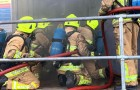 Pompiere licenziato per aver insultato un collega gay riceve un risarcimento di 14.000 euro
