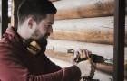 Un homme perd son emploi et gagne sa vie en montant des meubles Ikea achetés par d'autres