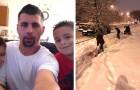 Duas crianças veem um homem em uma cadeira de rodas tentando tirar a neve da sua garagem:
