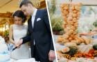 Frischvermählte bieten ihren Gästen je nach Geschenk ein anderes Buffet an: