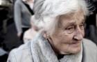 87-jarige vrouw zit aan de grond: