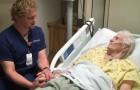 Deze verpleegkundige heeft zijn eigen manier om de tranen van zijn patiënten te troosten
