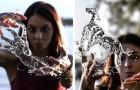 Questo fotografo crea delle spettacolari sculture d'acqua che sembrano prendere vita tra le mani