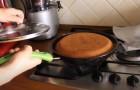 Torta in padella senza burro: prepara questo dolce veloce e goloso senza accendere il forno