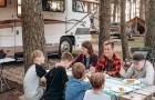 Dit gezin van 7 woont in een camper van slechts 30 vierkante meter