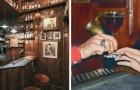 Este bar tem uma área de 4 metros quadrados e pode acomodar apenas quatro clientes: um espaço recorde