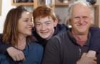 Dieser 11-jährige Junge wurde von 15 verschiedenen Familien abgelehnt, aber jetzt hat er endlich eine richtige Familie gefunden