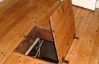 Ristruttura il soggiorno e scopre un pozzo di 500 anni con una spada medievale