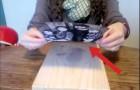 Sie klebt ein Foto auf ein Holzbrett. Was daraus wird, ist sagenhaft!