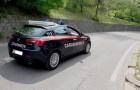 Carabinieri pagano il taxi ad una donna con due figli provati dal caldo: attendevano invano l'arrivo del bus
