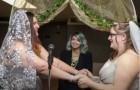 Hochzeit der besten Freunde: zwei junge Frauen feiern platonische Liebe zwischen Singles