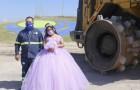 """Sie wird 15 und feiert, indem sie sich neben ihrem Vater bei der Arbeit auf der Mülldeponie fotografieren lässt: """"Ich bin stolz auf ihn."""""""