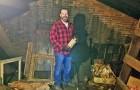 Hij koopt een huis van $100.000 en vind schatten op zolder die misschien meer waard zijn dan het huis zelf