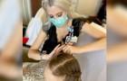 Une infirmière consacre ses jours de congé à laver et coiffer les cheveux des patients de son hôpital