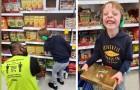 Un papà riesce a riprendere la bellissima interazione tra suo figlio autistico e un dipendente del supermercato