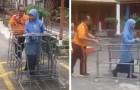 O professor constrói um carrinho especial para seus alunos cegos: