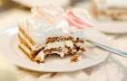 Frisch Verheiratete verlangen 3 Pfund für jedes Stück Kuchen: Sie finden heraus, dass ein Gast einen Nachschlag will und verlangen ihr Geld zurück