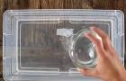 Sie gibt Kokosmilch in Wasser und macht daraus etwas, das alle Frauen lieben werden