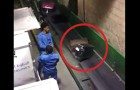 He secretly Films operators at the airport: here's how your luggage gets broken !