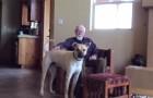 Este homem tem Alzheimer e quase não fala, mas olha o que ele faz quando vê o cão...