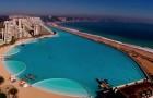 Gebouwd in 5 jaar, met een lengte van meer dan 1 km: ontdek het grootste zwembad ter wereld!