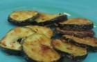 So macht man knusprige Zucchini... Und das ist so einfach, Leute! :)