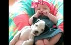Ein Jahr lang zusammen aufwachsen: Diese Bilder des Mädchens mit dem Hund sind traumhaft