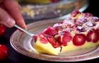 Ecco una delle torte alle ciliegie più facili che si possano cucinare. Ed è SQUISITA!