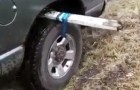 If one day your car gets stuck in MUD, keep in mind this clever hack!